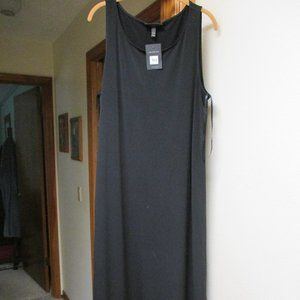 Black sleeveless dress-NWT